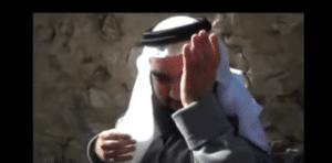 فيديو شيخ يقتحم بيت دعارة وحصلت مفاجأة