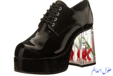 حذاء أسود مع كعب