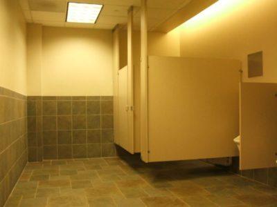 أرضيات الحمام توجد فيهاالبكتيريا