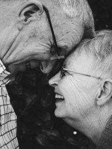 الضحك يزيد من العمر