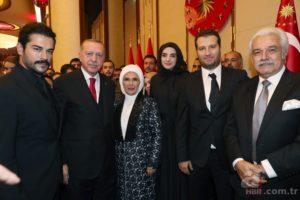 أبطال مسلسل قيامة عثمان والرئيس التركي وزوجته